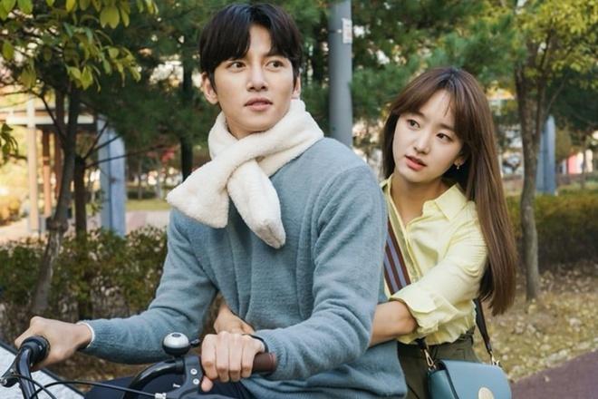 Cu nga ngua dang tiec cua Song Hye Kyo, Ha Ji Won trong 2019 hinh anh 5 Sao_Han_nga_ngua_5.jpeg