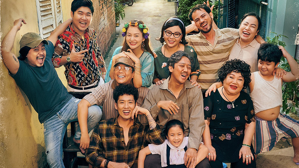 Phim Bố già liên tục xô ngã các kỷ lục phòng vé Việt