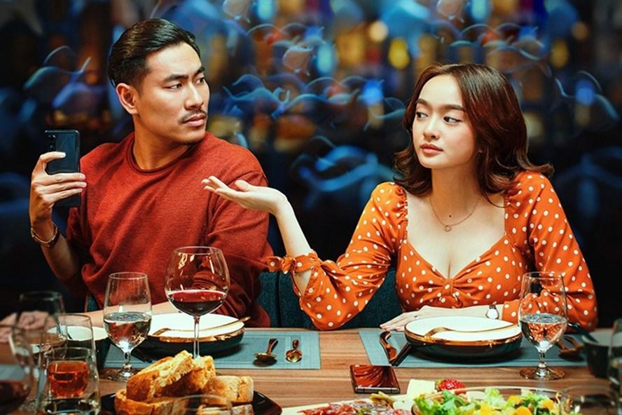 """""""Tiệc trăng máu"""" là điểm sáng trong thị trường điện ảnh Việt 2020."""